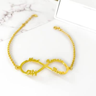 Bracelet infini prénom plaqué or